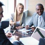 出来る営業マンはお客様が話す内容をそのまま受け止める事で相手を尊重している