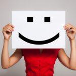 出来る営業マンはプレゼンテーションの場面で笑顔を上手く使って、言いにくい事をストレートに伝える技術を持っている